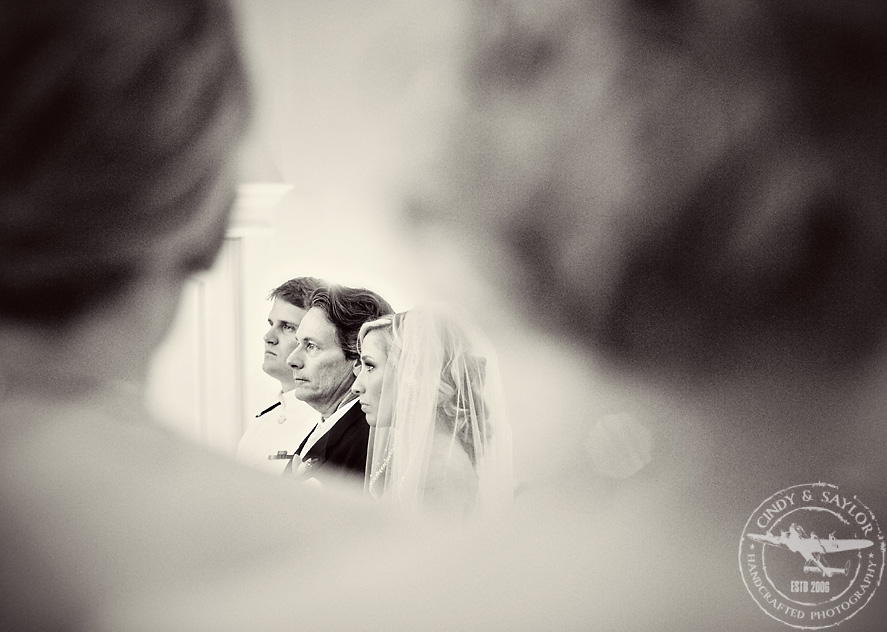 ceremony at the milestone by north texas wedding photographers cindy and saylor
